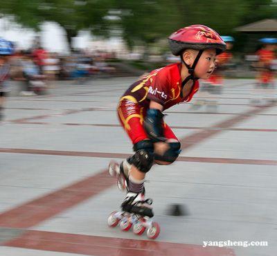 轮滑技巧 掌握其中一点技巧就可玩转轮滑