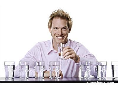 你真的会喝水吗?这些喝水误区要避免!