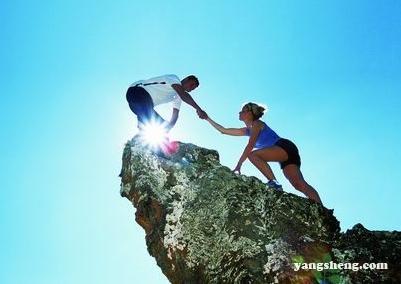 春天选择什么运动减肥? 爬山和游泳最合适