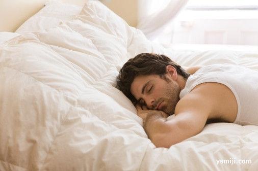睡觉时偏左还是偏右?趴着睡影响心脏吗