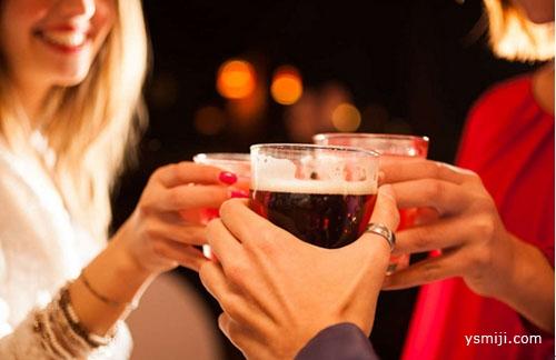 为什么有的人喝酒会脸红?