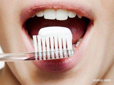 其实你每天刷牙 都只是刷到了一半