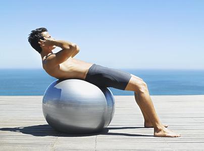 仰卧起坐能减肚子吗 仰卧起坐可减小腹的误区
