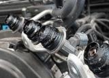 汽车积碳危害这么大  还不懂如何清理它吗?