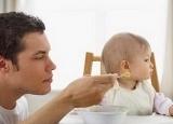 这样给孩子喂饭简直就是在投毒